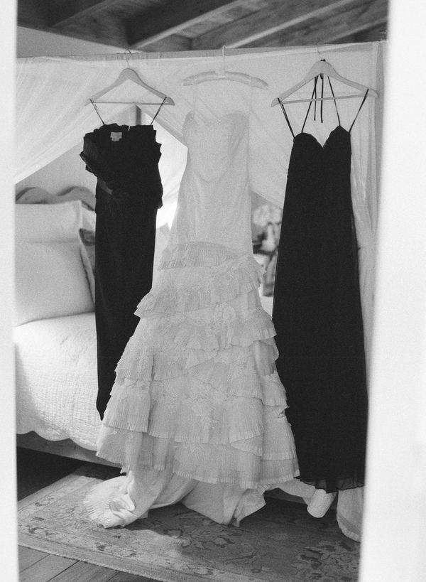 madrinhas de casamento vestidas de preto