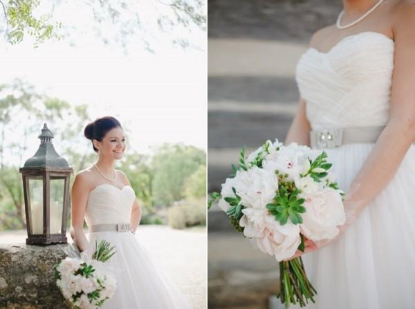 Vestido de noiva com faixa